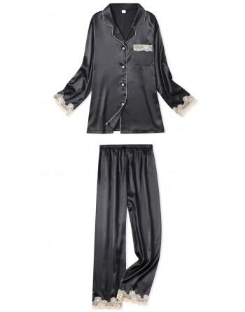 Pyjama en satin et dentelle...